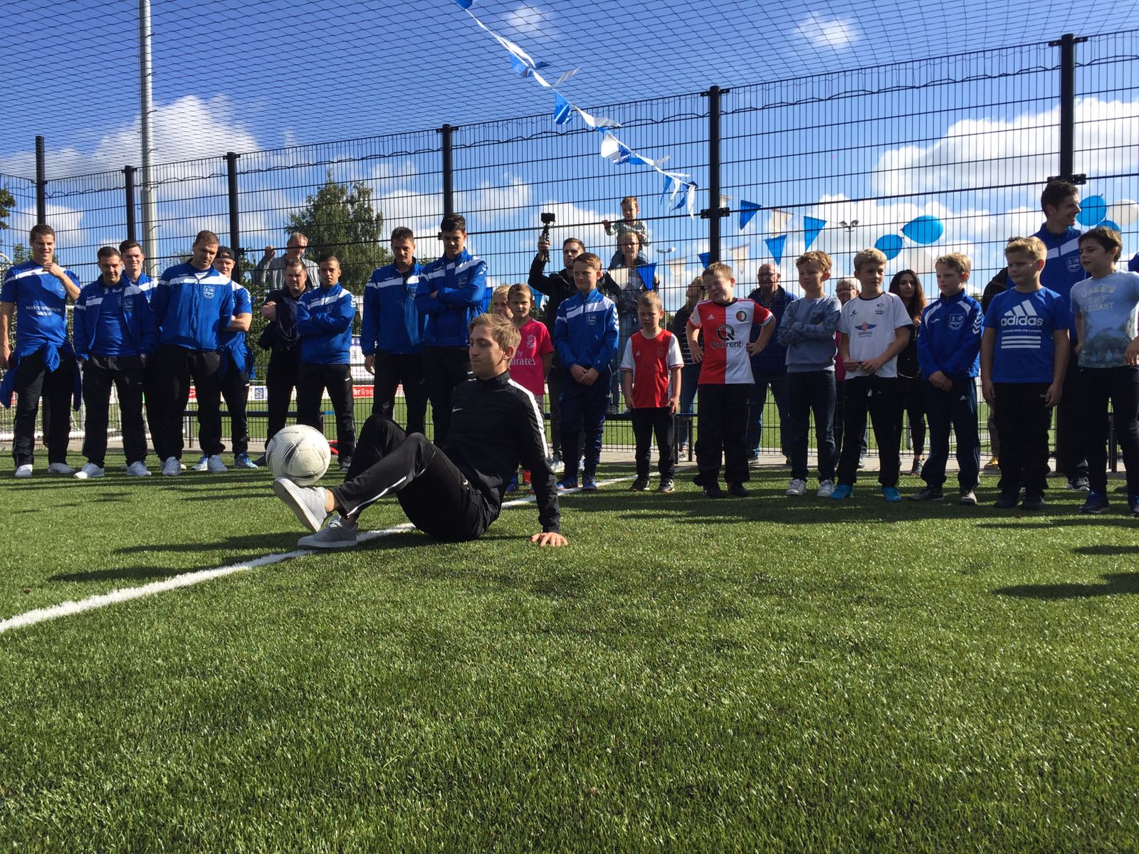 Spectaculaire opening voetbalkooi - Elburger SC