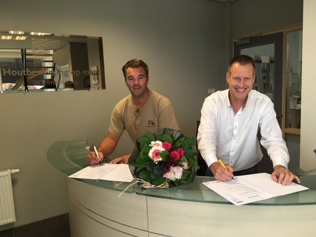 Houtbewerking op Maat verlengt sponsorcontract - Elburger SC