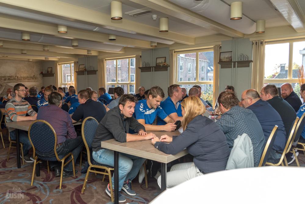 Contractondertekeningen hoofdsponsorgroepESC - Elburger SC