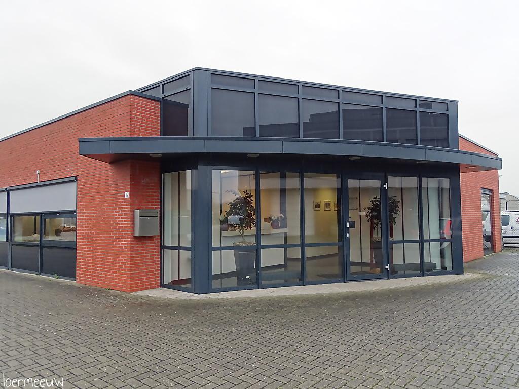 Aannemersbedrijf Lipke BV tekent nieuw sponsorcontract bij ESC - Elburger SC