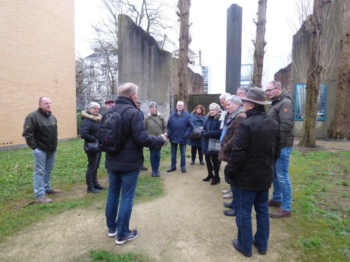 Leden Businessclub bezoeken Joodse wijken Amsterdam - Elburger SC