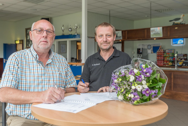 Vakgarage- Elburg Bandencenter nieuwe bordsponsor - Elburger SC
