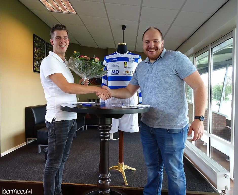 Sponsors kledingplan tekenen contract met ESC - Elburger SC
