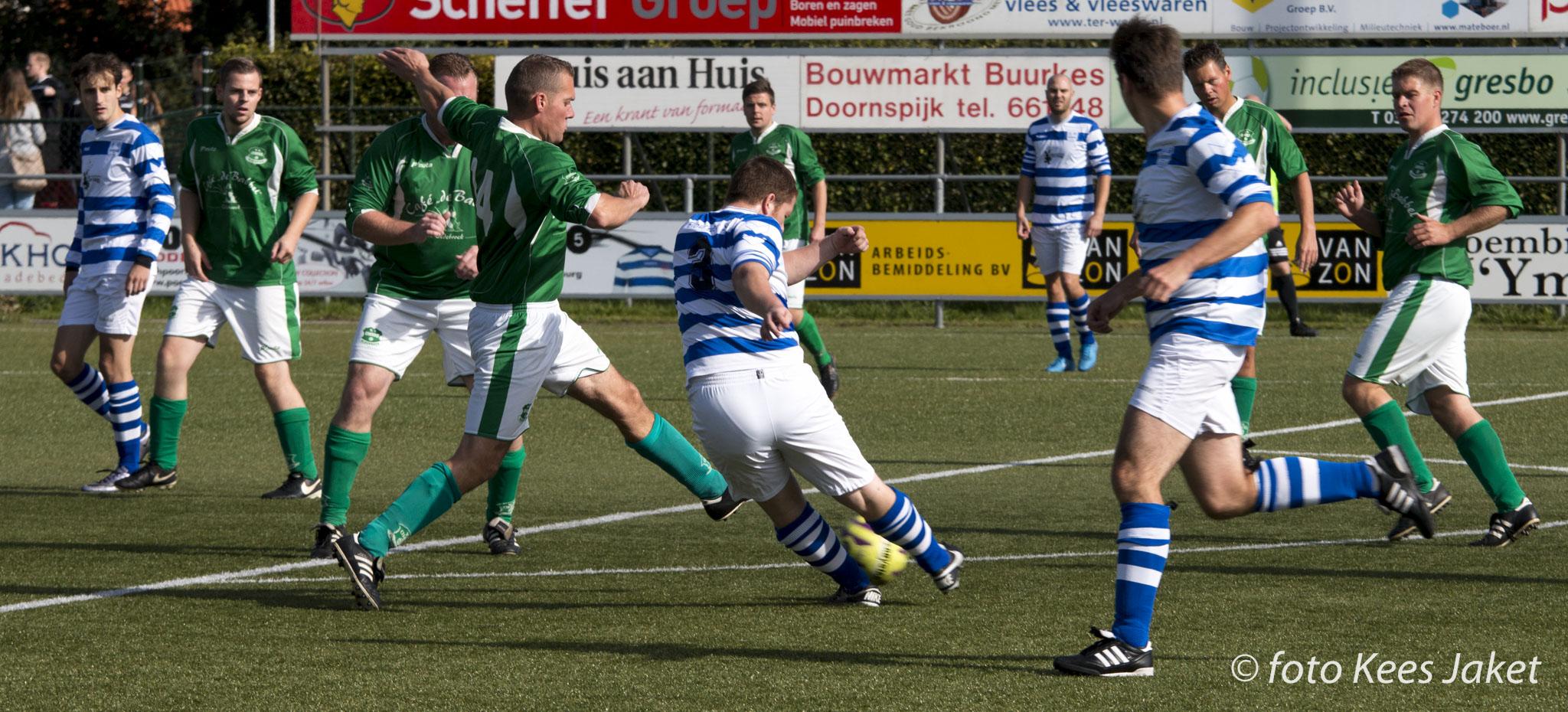 ESC 3 wint derby met klinkende cijfers - Elburger SC