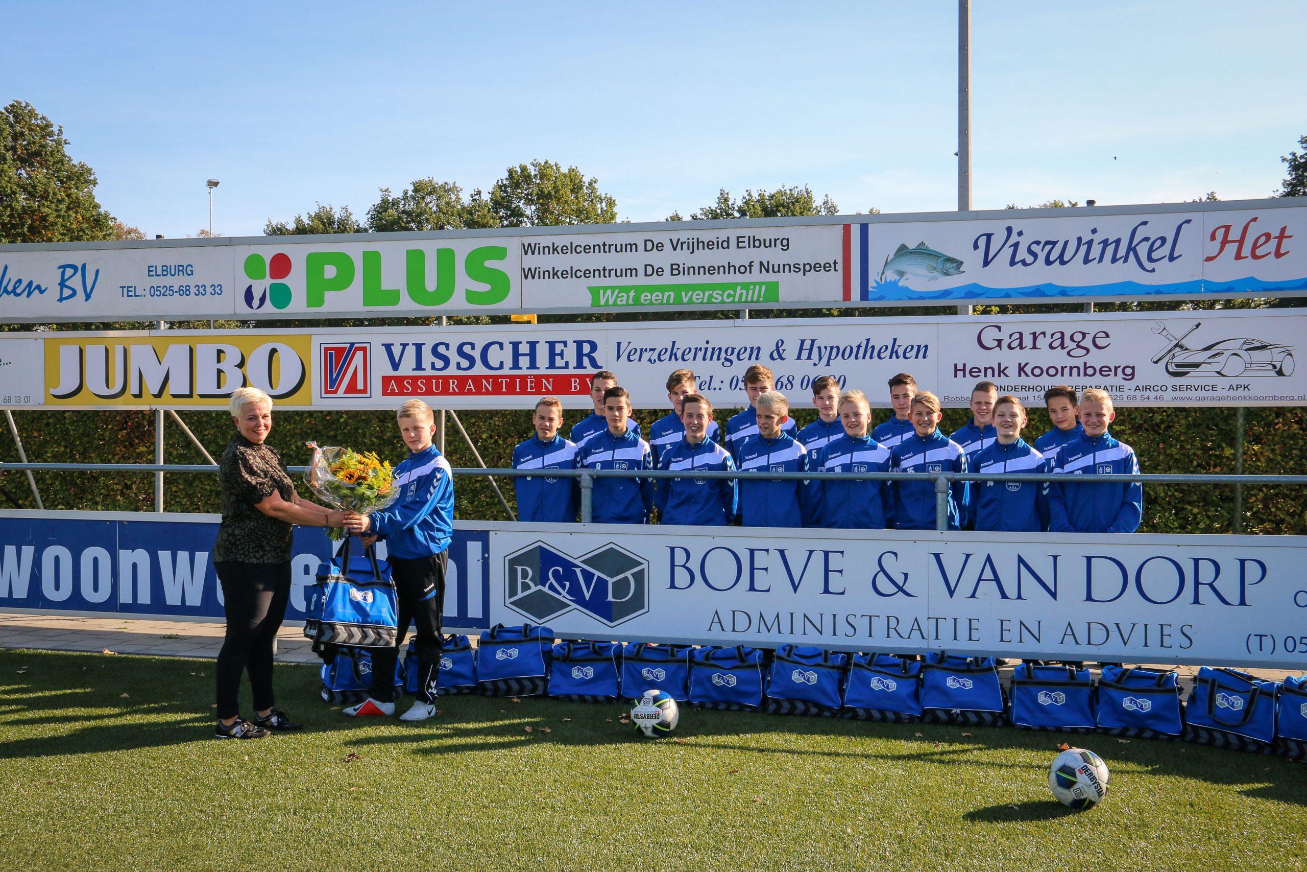 Boeve&van Dorp tassensponsor ESC JO15-2 - Elburger SC