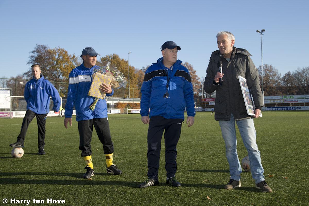 Gert Deelen en Fadel Jawad nemen afscheid van de voetbalschool - Elburger SC