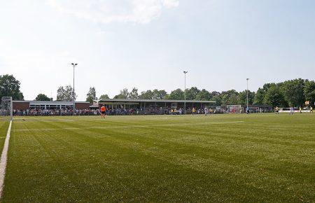De boys van 12-2 winnen hun eerste wedstrijd - Elburger SC