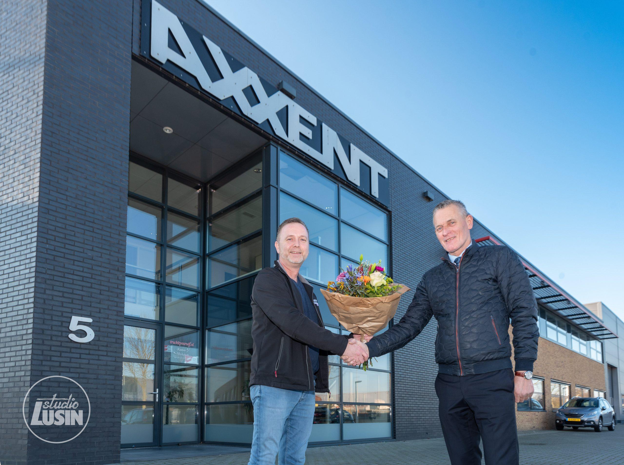 Metaalbewerkingsbedrijf Axxent Vaassen nieuwe bordsponsor - Elburger SC