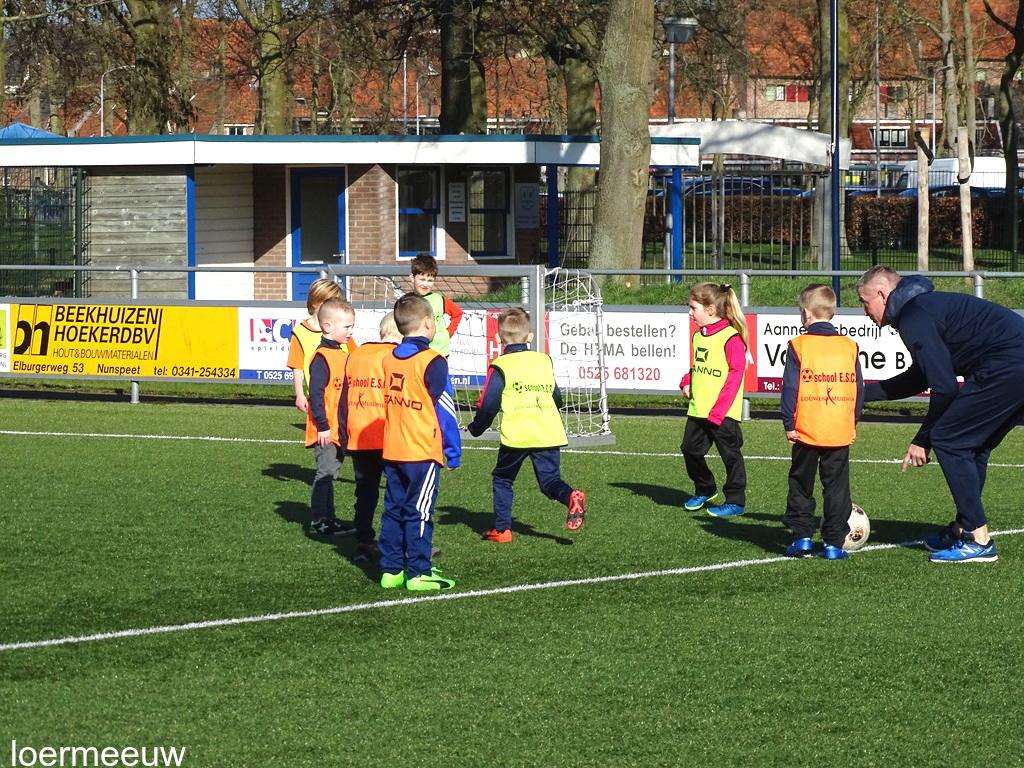 De voetbalschool gaat a.s. zaterdag weer van start - Elburger SC