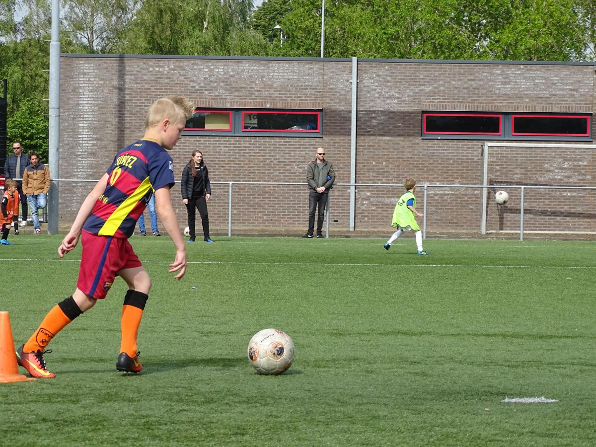 De voetbalschool is weer gestart! - Elburger SC