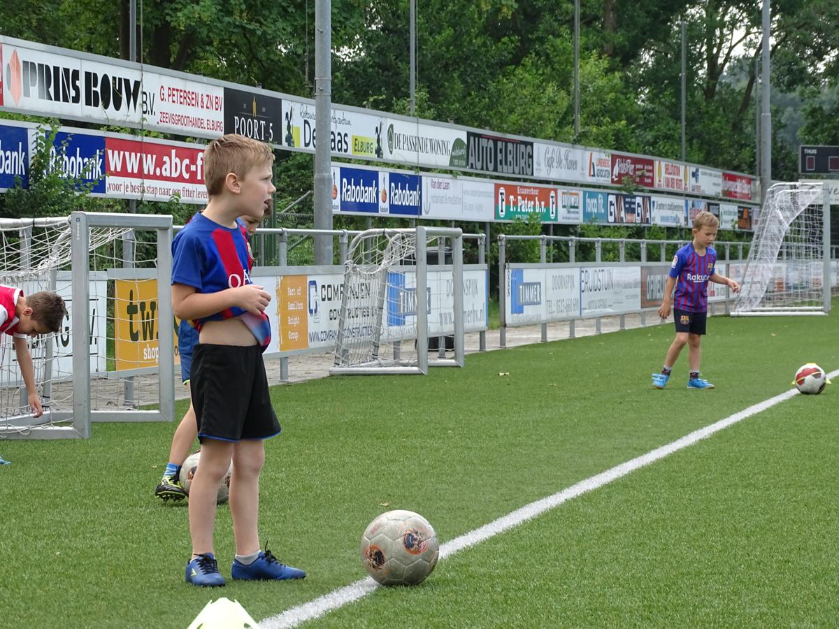 Foto's afsluiting voetbalschool - Elburger SC