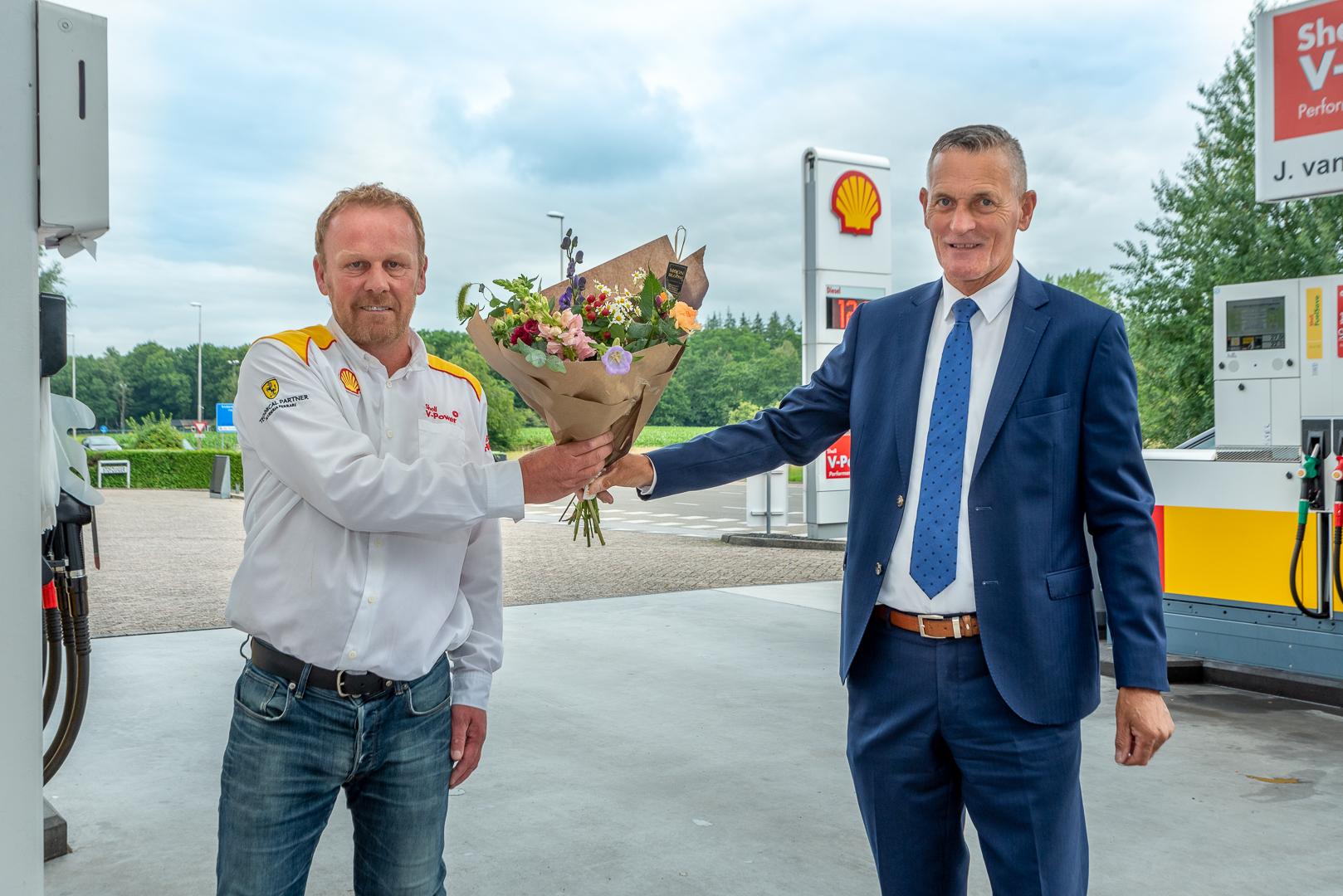 Tankstation Shell van der Vegte verlengt 3-jarig contract - Elburger SC