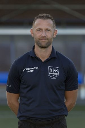 Trainer Siemen Lindeboom verlengd contract met een seizoen - Elburger SC
