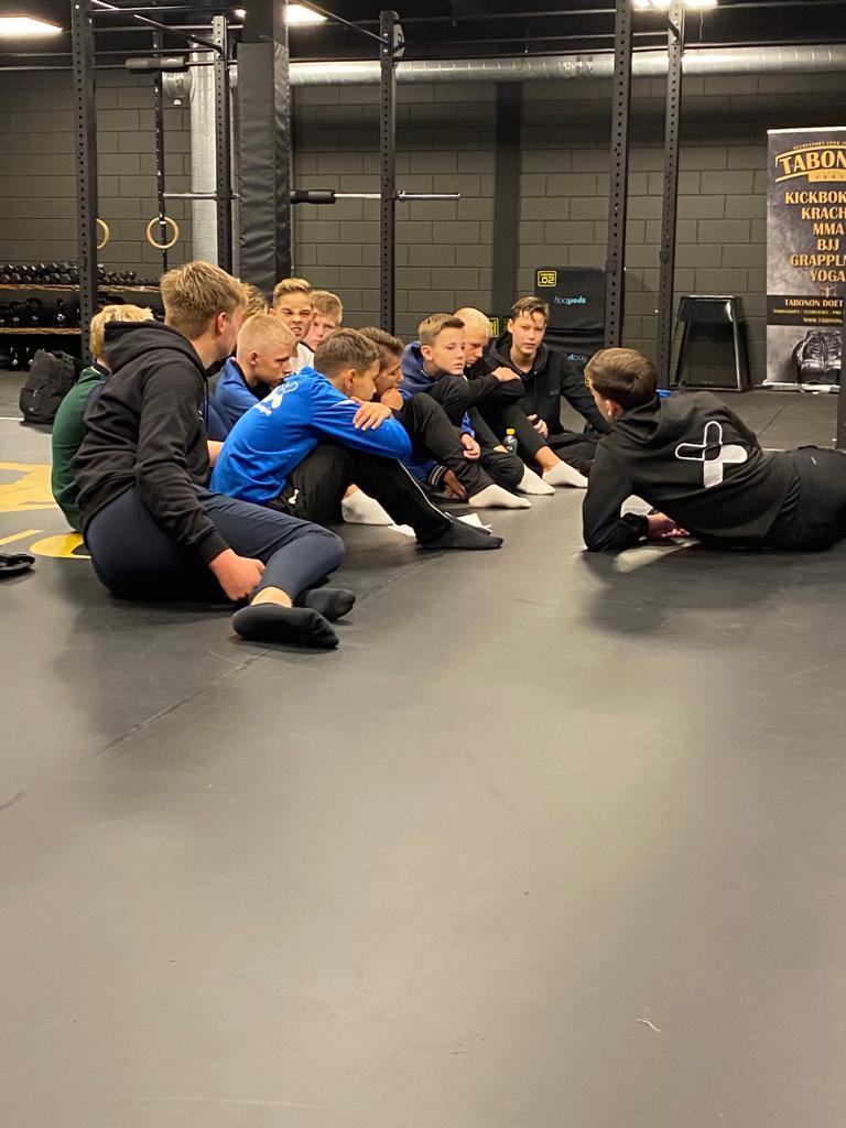 Kickboksen met JO15-1 - Elburger SC