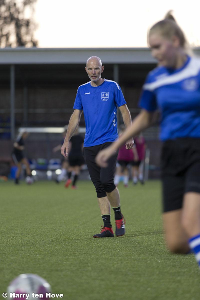 Trainers Bert Lowijs en Jan Dickhof van VR1 - Elburger SC