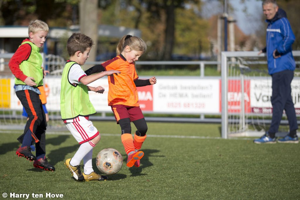 ElburgerSC - De voetbalschool van ESC gaat bijna weer beginnen