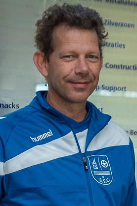 Simon van Broekhuijsen ook volgend seizoen trainer/coach JO17-2 en JO19-2 - Elburger SC