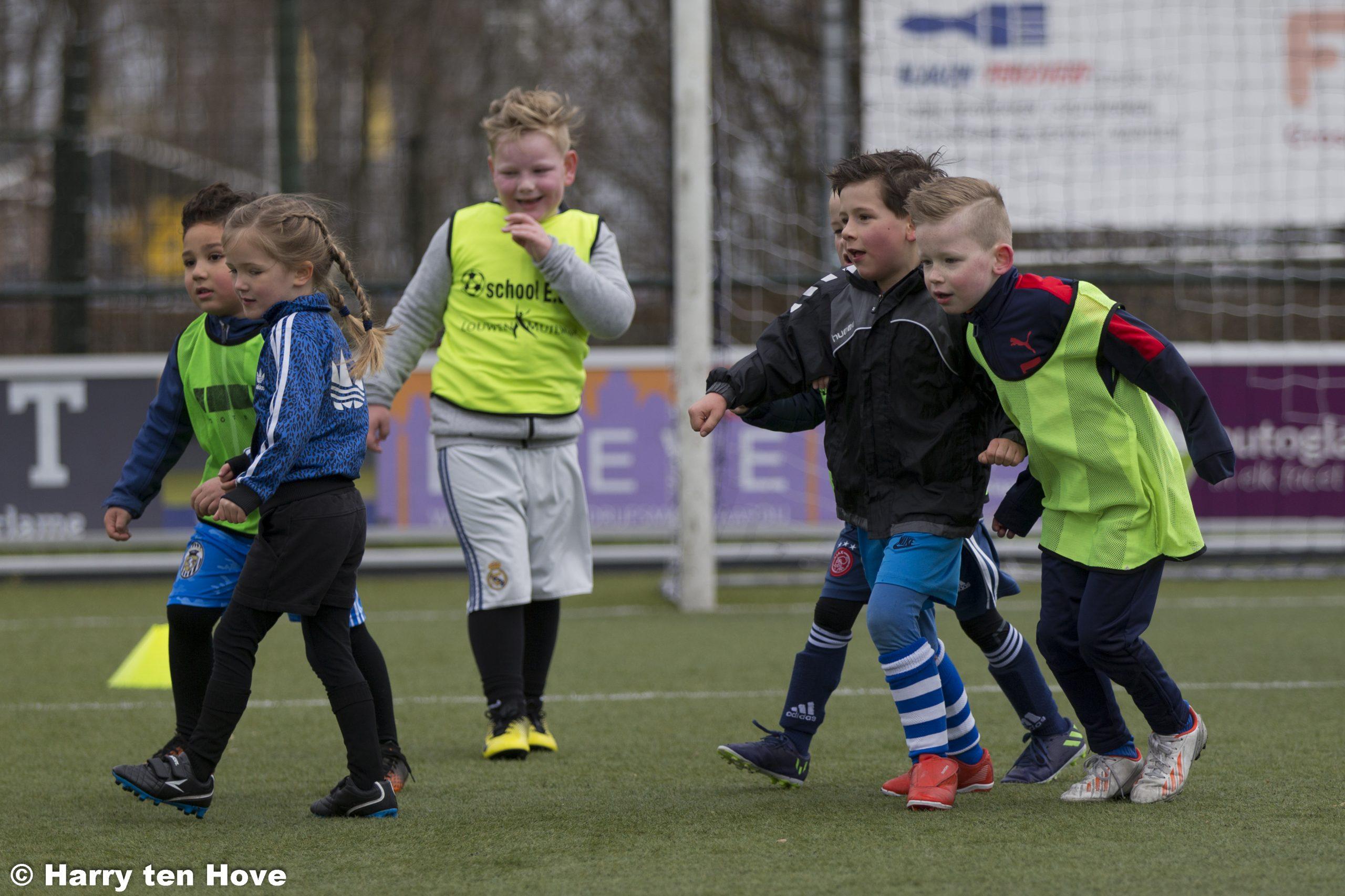 Voetbalschool en inlooptrainingen van start - Elburger SC