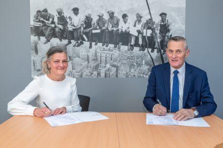 ESC verwelkomt nieuwe bordsponsor AK Blom Asbest - Elburger SC